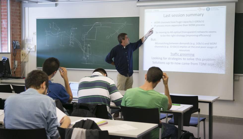 Una classe de la UPC, impartida en anglès.